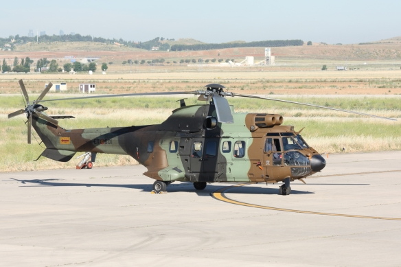 helicoptero as-532 cougar famet