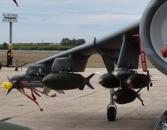 HARRIER AV-8B ARMAMENTO