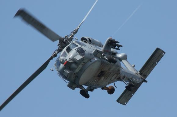 """Helicóptero SH-60B perteneciente a la 10ª Escuadrilla de la FLOAN que forma parte de la UNAEMB de la Fragata """"Almirante Juan de Borbón"""" integrada en la SNGM1 de la OTAN (Imagen: Fco Javier Chao/archivo)"""