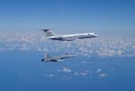 F-18 interceptando un Tu-134 de la Aviación Naval Rusa (Foto: Ejercito del Aire)