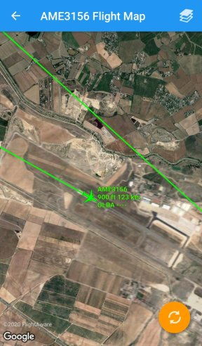 aterrizando por la 12R (Imagen: RadarBox24)