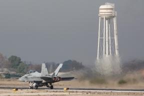 Despegue F-18 / CE.15 (Foto: Fco Javier Chao)