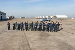 Personal de la Unidad del Ala 23 (233 Escuadrón) Foto: EdA