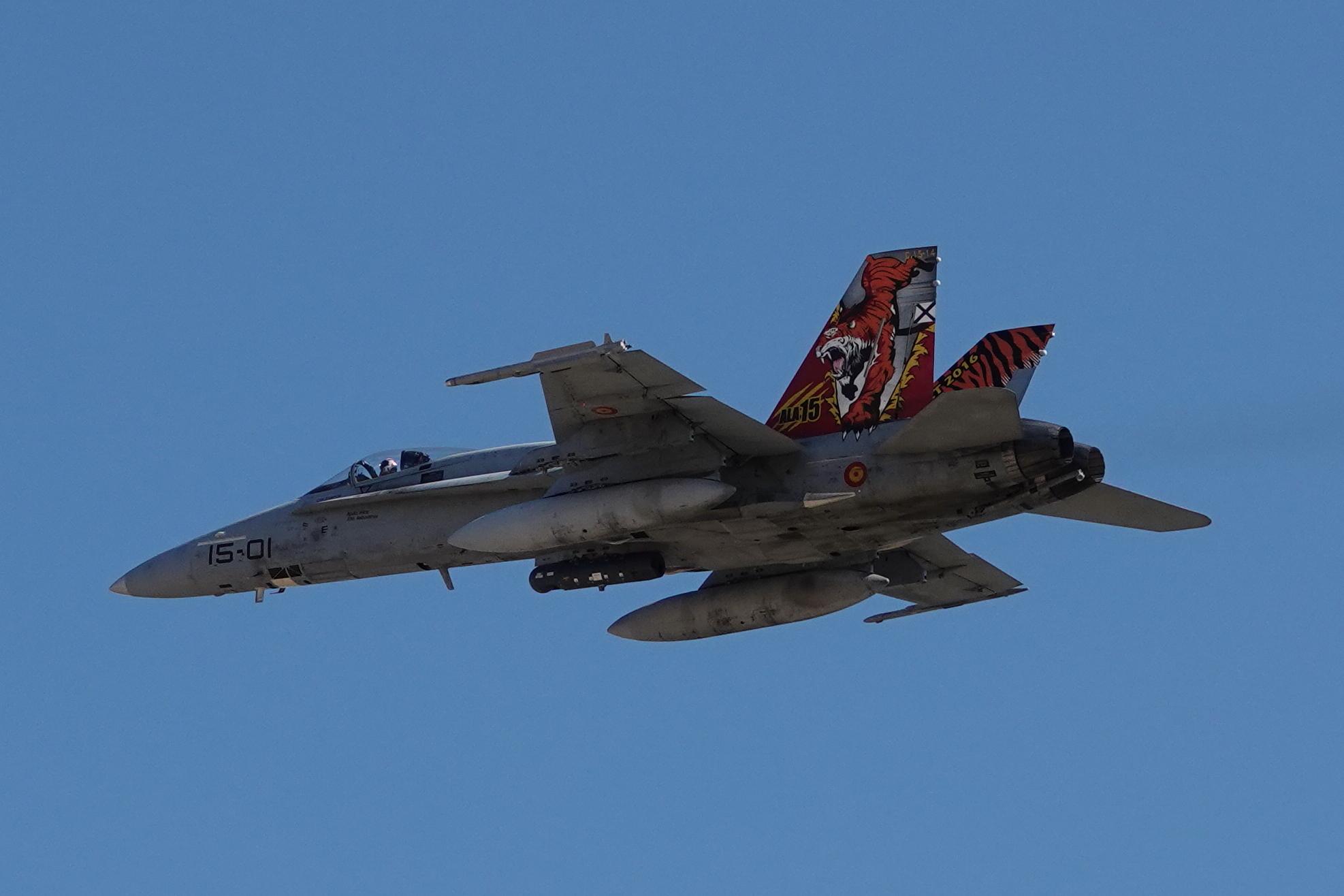 F-18 15-01 (2)